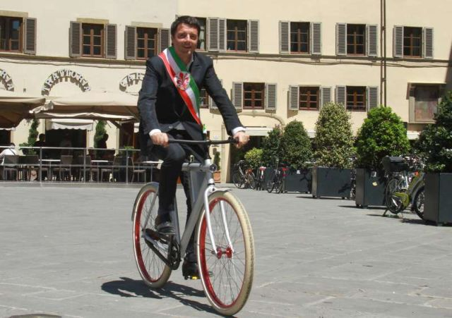 Storytelling nelle conversazioni politiche di Facebook – il fenomeno Renzi narrato nei commenti dei post