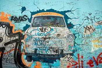 muro_berlino_trabant